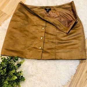 ✨Gap Microsuede Mini Skirt